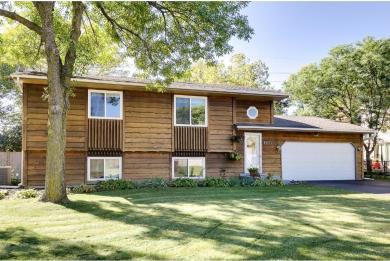 9671 N 97th Place, Maple Grove, MN 55369