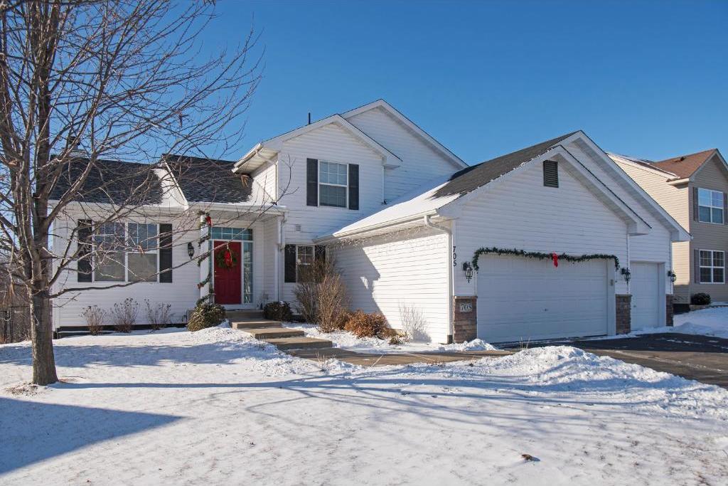 705 W Brook Circle, Montrose, MN 55363