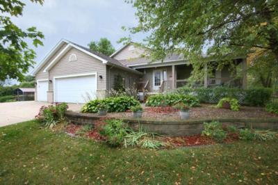 Photo of 20100 Twin Oak Circle, Jordan, MN 55352