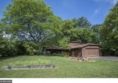Photo of 2613 Forest Street, Maplewood, MN 55109