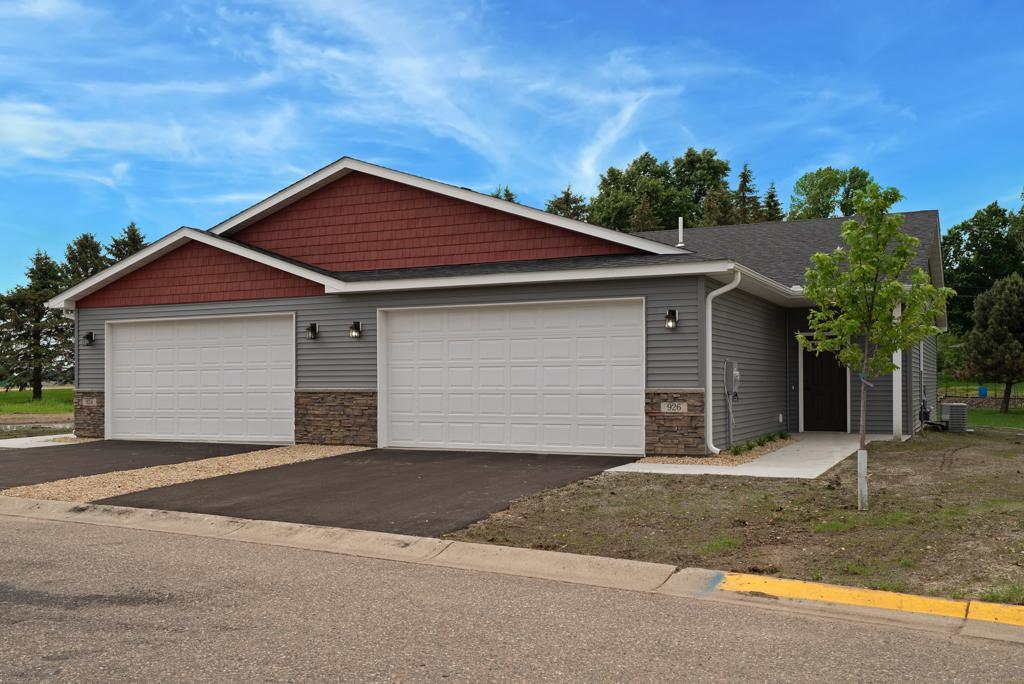 926 Serenity Circle, Norwood Young America, MN 55397