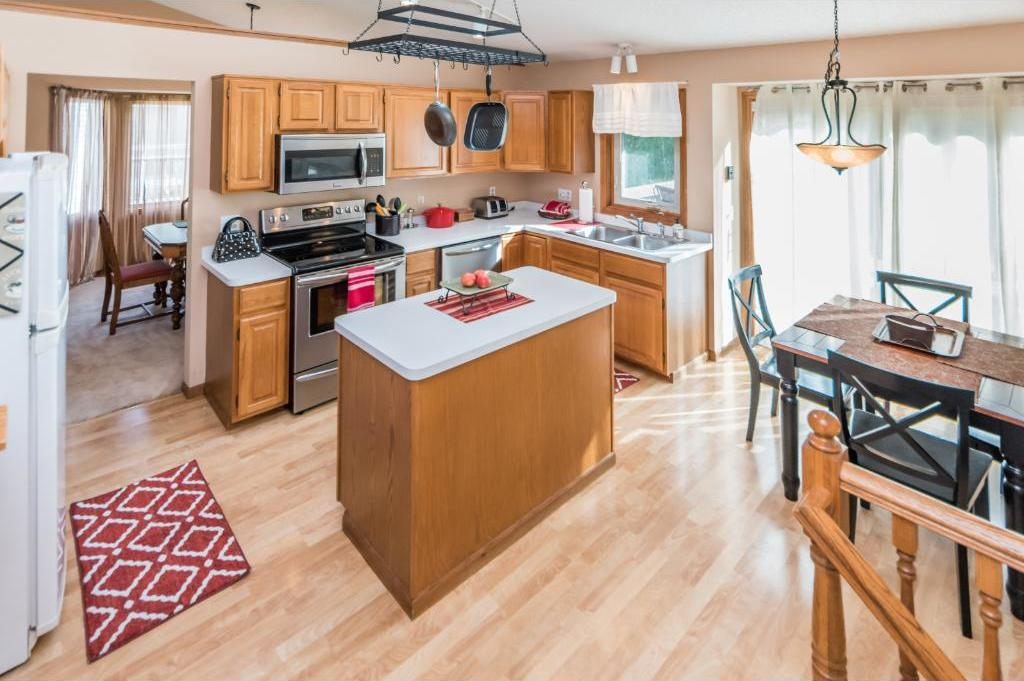 13463 Ivy Terrace, Burnsville, MN 55337