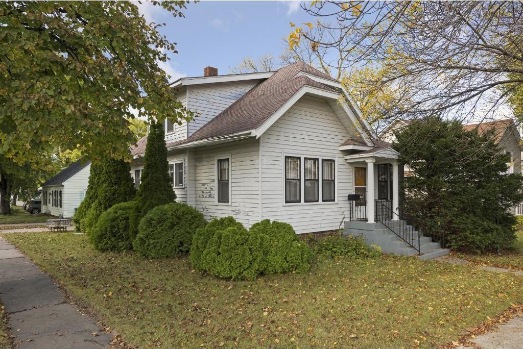 905 Hennepin Avenue, Glencoe, MN 55336