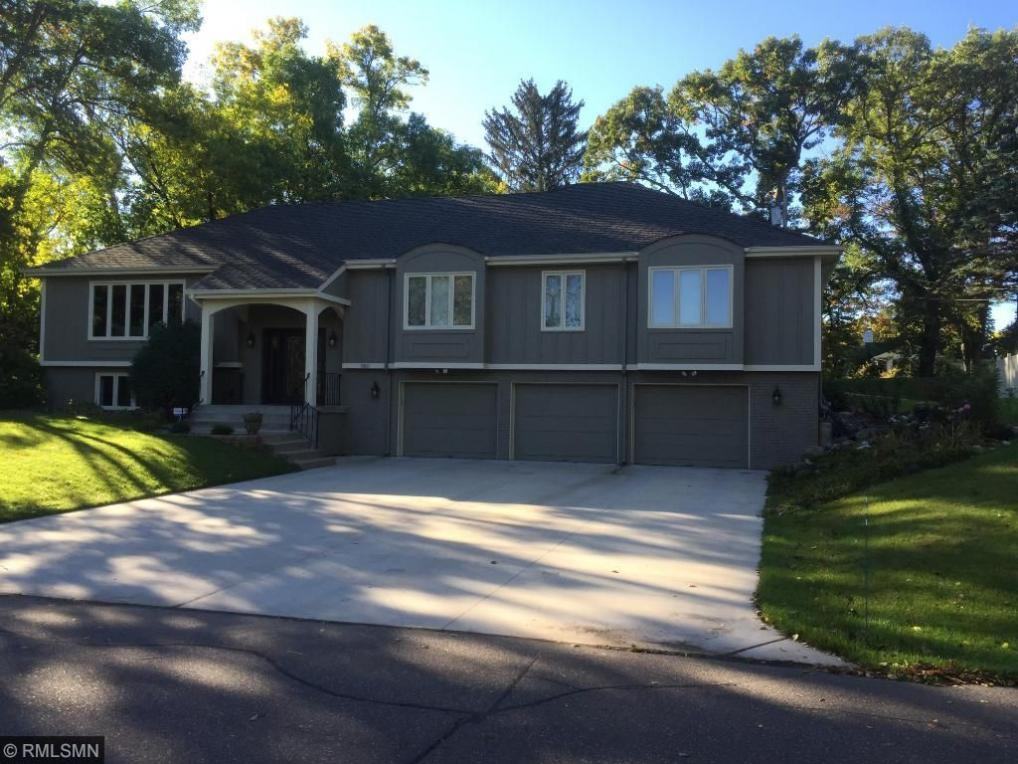 9801 Oak Ridge Trail, Minnetonka, MN 55305