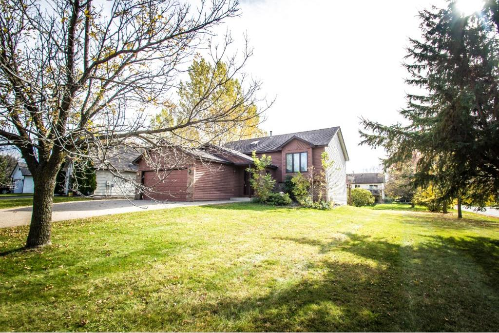 7246 W Upper 157th Street, Apple Valley, MN 55124
