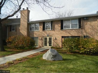 Photo of 820 Old Settlers Trail #6, Hopkins, MN 55343