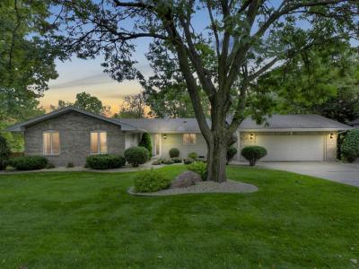 Photo of 13511 Krestwood Drive, Burnsville, MN 55337