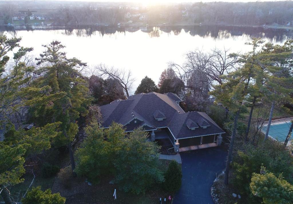 3347 Twin Lake Court, Little Canada, MN 55127