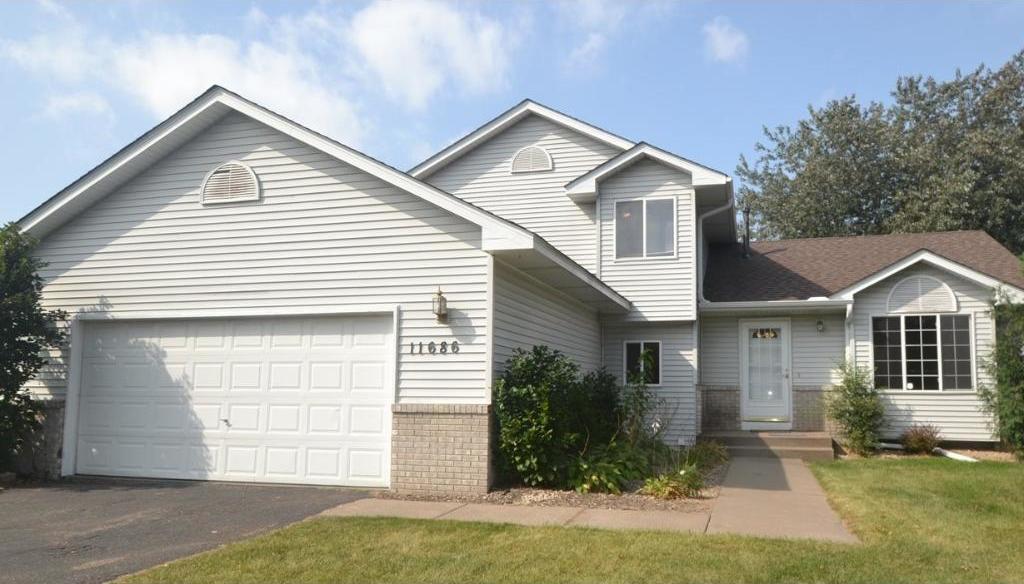 11686 Alder Street, Coon Rapids, MN 55448