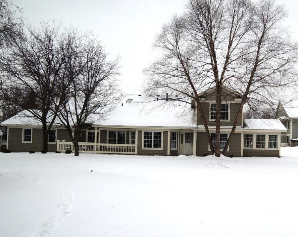 1729 Donegal Drive, Woodbury, MN 55125
