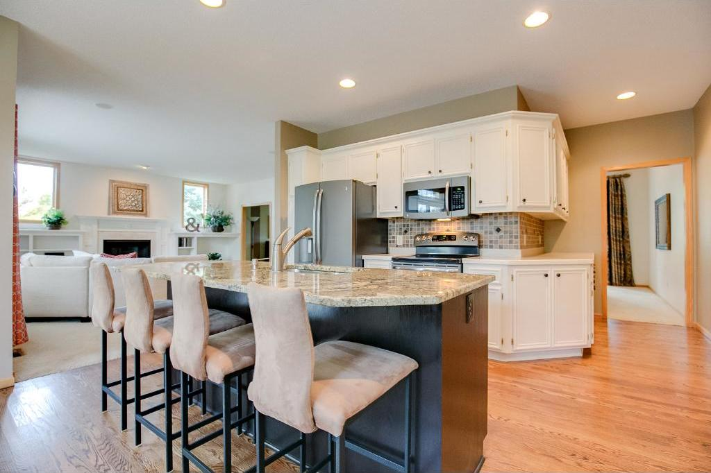 14012 Flagstone Trail, Apple Valley, MN 55124