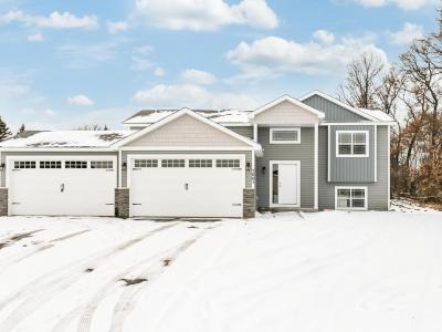Photo of 1001 8th Ave Sw, Isanti, MN 55040
