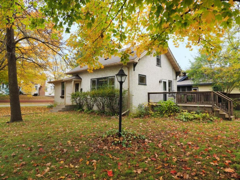 422 Ardmore Drive, Golden Valley, MN 55422