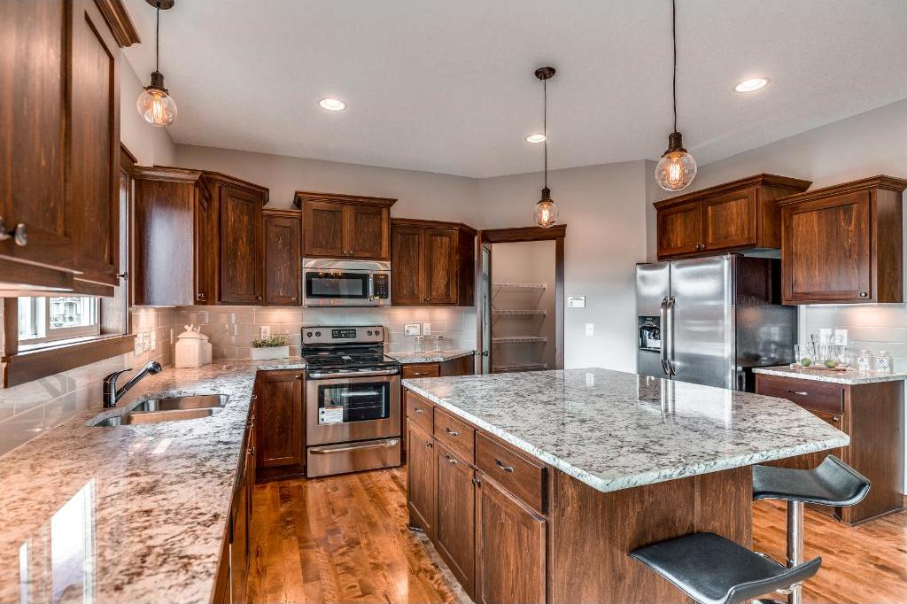 6448 Crosby Avenue, Inver Grove Heights, MN 55076