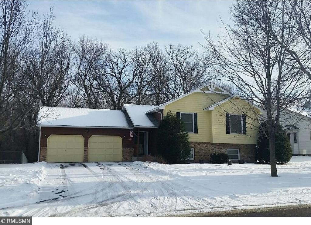 1240 NW 103rd Lane, Coon Rapids, MN 55433