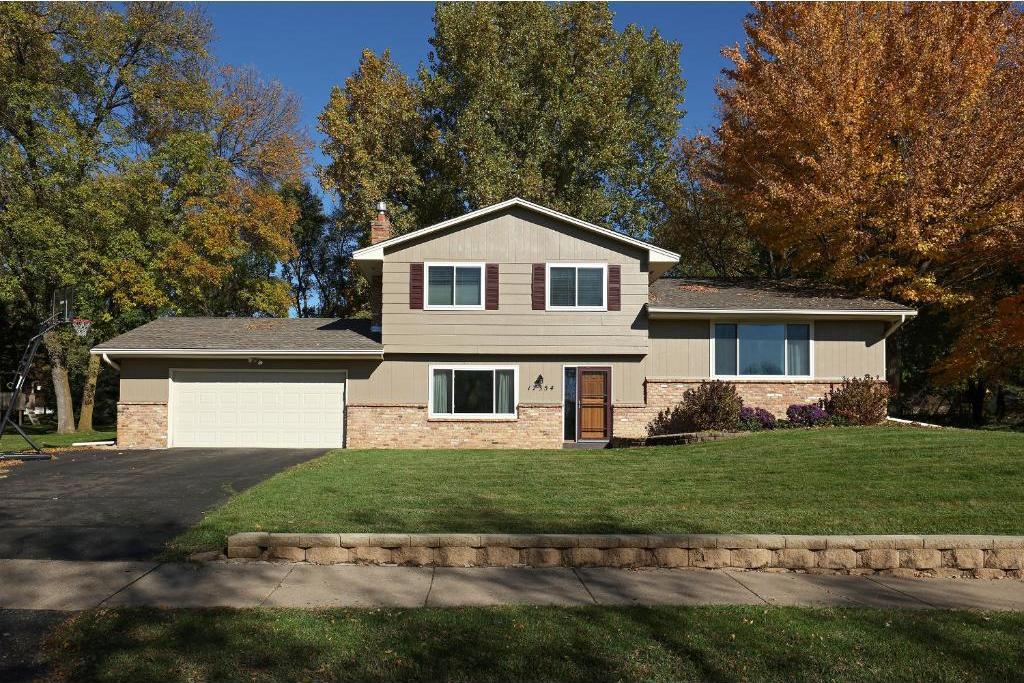 17354 Weaver Lake Drive, Maple Grove, MN 55311