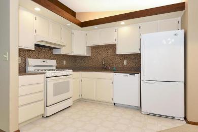 8009 N Edgewood Avenue, Brooklyn Park, MN 55445
