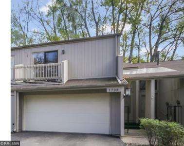 1708 N Comstock Lane, Plymouth, MN 55447