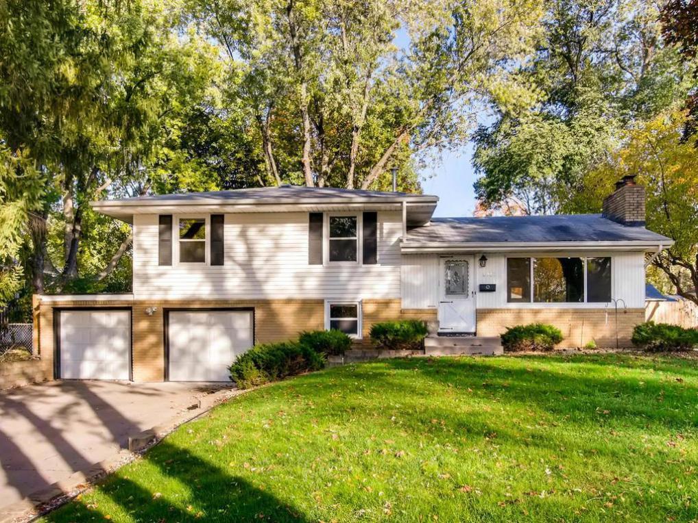 10909 S Morris Avenue, Bloomington, MN 55437