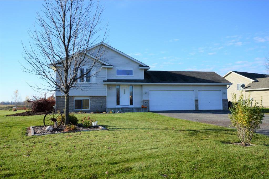 1052 Prairie Ridge Lane, Lester Prairie, MN 55354