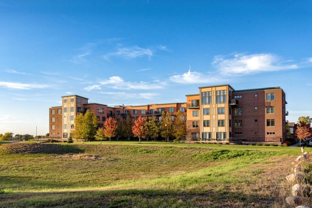 1070 NE Grandview Court #101, Columbia Heights, MN 55421