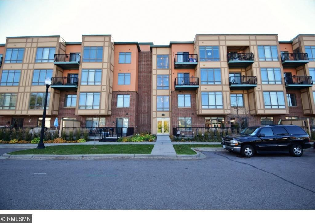 1070 Grandview Court #303, Columbia Heights, MN 55421