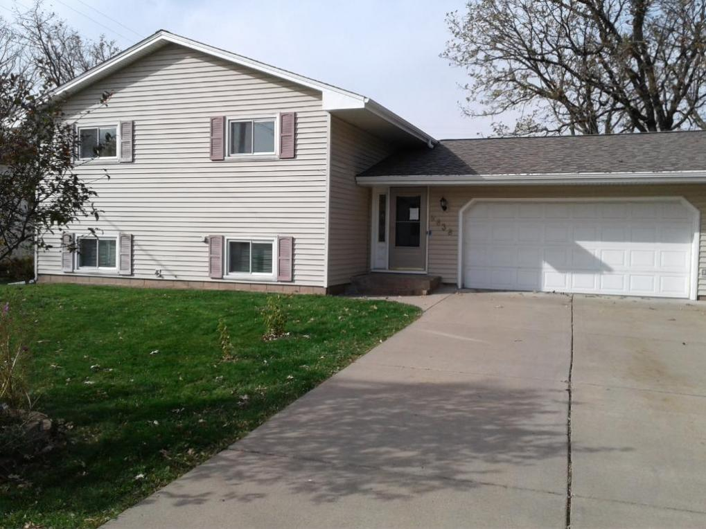 9838 NW Foley Boulevard, Coon Rapids, MN 55433