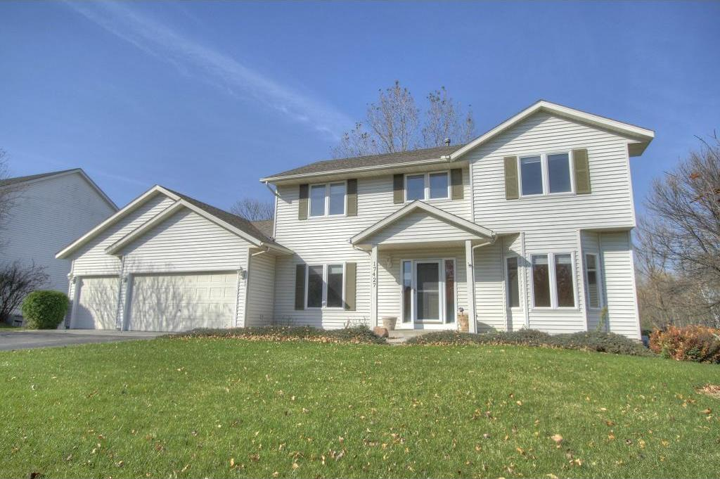 17427 Homestead Trail, Lakeville, MN 55044
