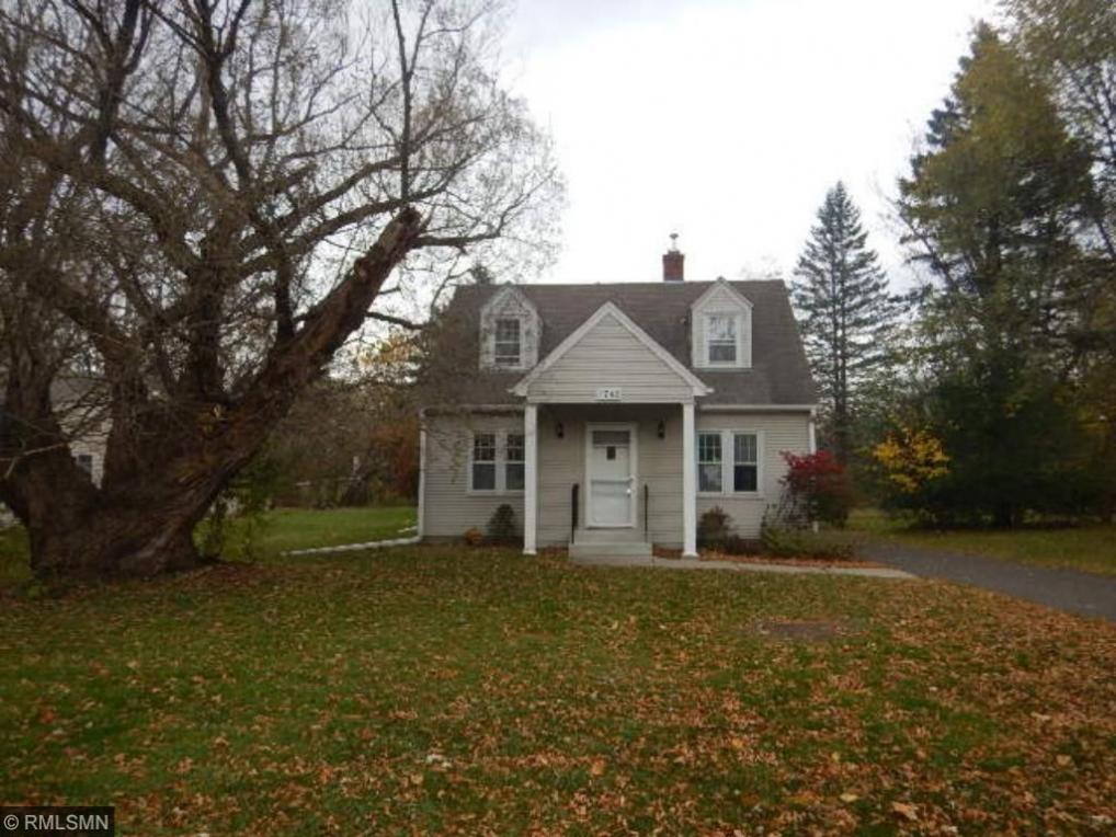 1742 N Howard Street, Maplewood, MN 55109