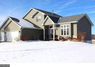 Photo of 13073 NW Elgin Drive, Elk River, MN 55330