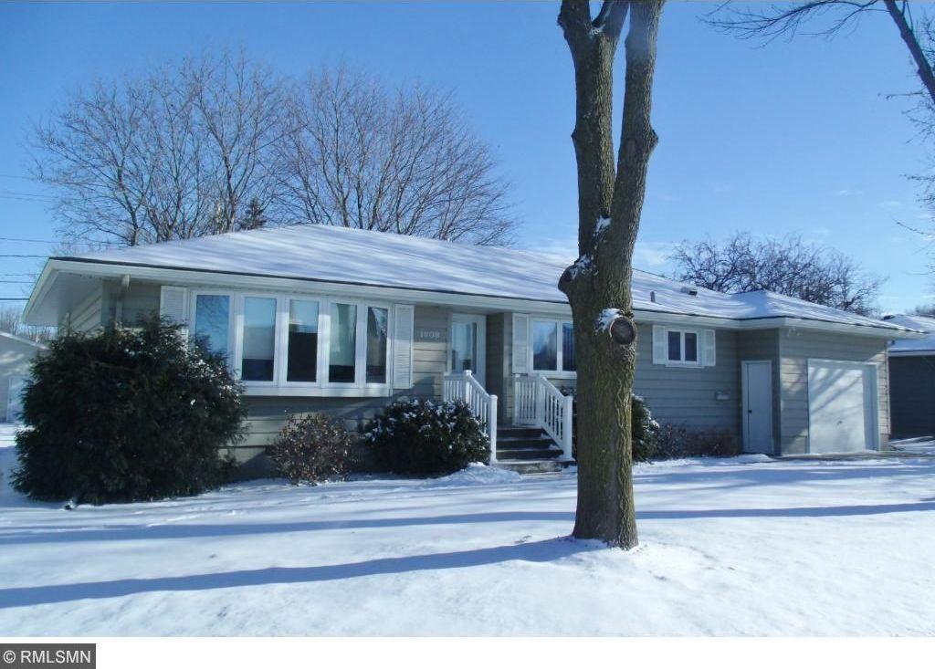 1808 N Hennepin Avenue, Glencoe, MN 55336