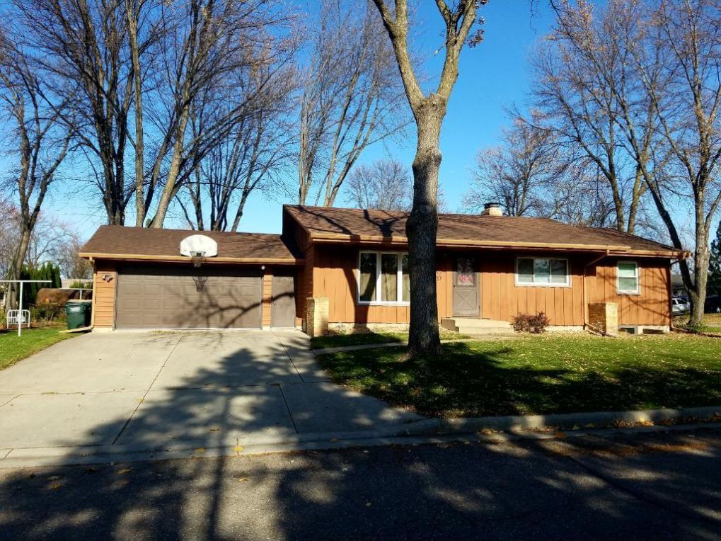 709 NE Hilltop Drive, Hutchinson, MN 55350