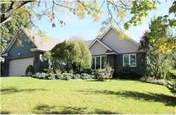 648 Willow Grove Lane, Vadnais Heights, MN 55127