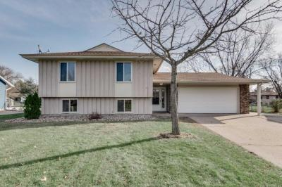 Photo of 10429 Osage St Street, Coon Rapids, MN 55433