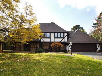 Photo of 101 N Westwood Drive, Golden Valley, MN 55422
