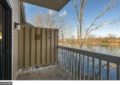 Photo of 21 Round Lake Trail, Little Canada, MN 55117