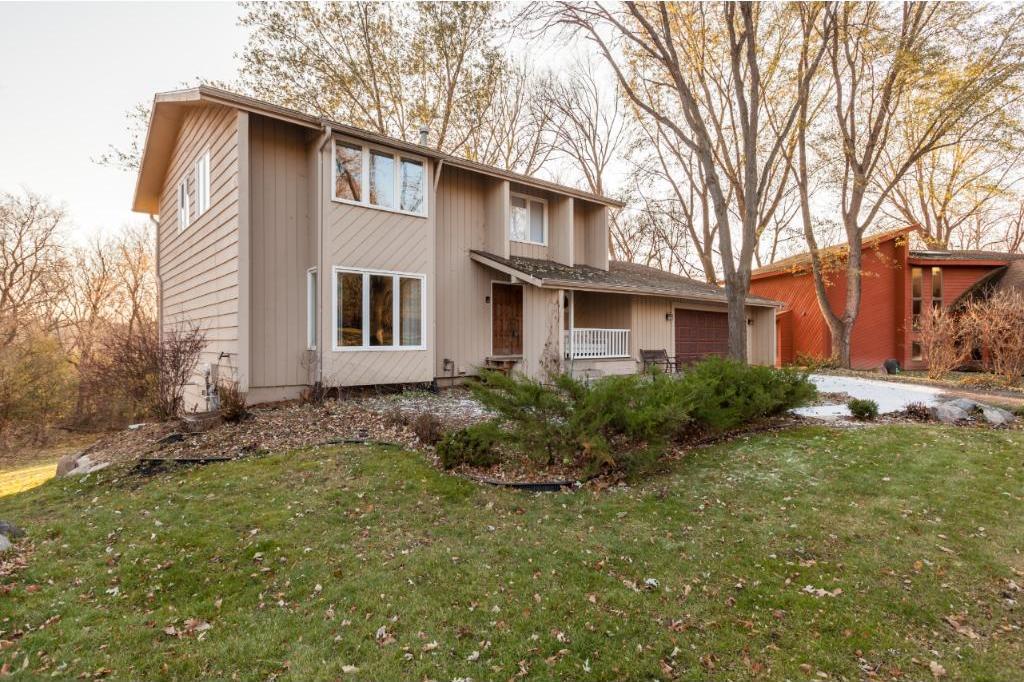 15301 Creekside Court, Eden Prairie, MN 55346