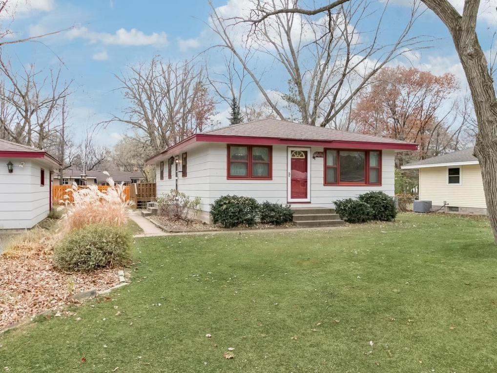 2808 Laport Drive, Mounds View, MN 55112