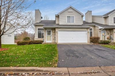 Photo of 9325 Turnberry Alcove, Woodbury, MN 55125