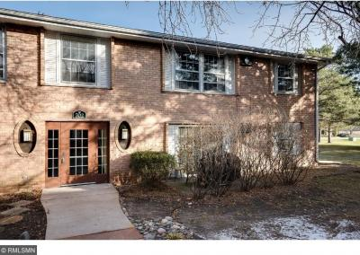 Photo of 702 Old Settlers Trail #5, Hopkins, MN 55343