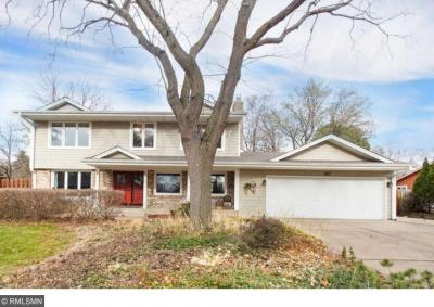 Photo of 983 W Lydia Drive, Roseville, MN 55113