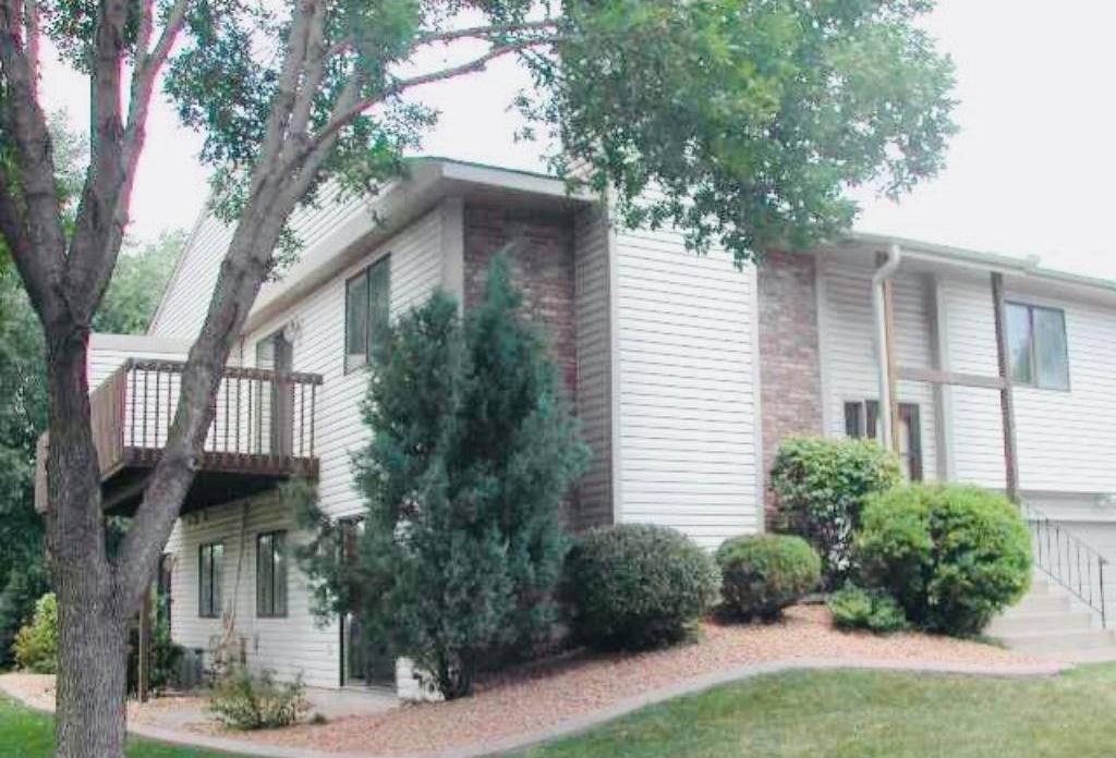 1164 Evar Street, Maplewood, MN 55119
