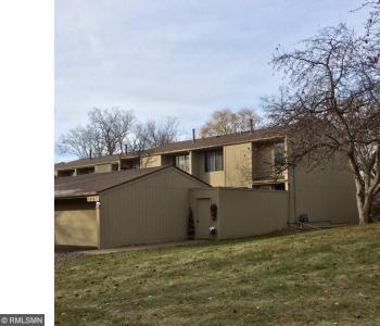1575 N Black Oaks Lane, Plymouth, MN 55447