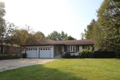 Photo of 574 NE Ballantyne Lane, Spring Lake Park, MN 55432