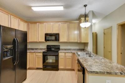 Photo of 18287 Kerrville Trail #408, Lakeville, MN 55044