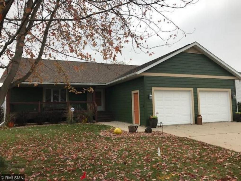 1522 Hill View Court, Red Wing, MN 55066