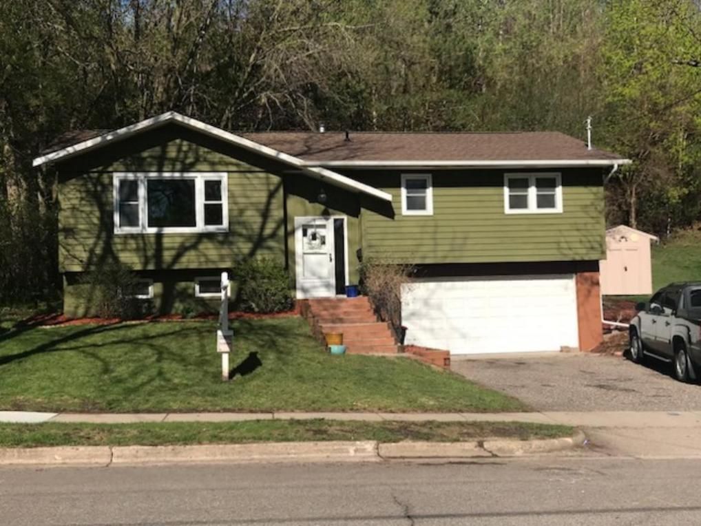 Mls 4895406 1834 spruce drive red wing mn 55066 for Tuck under garage
