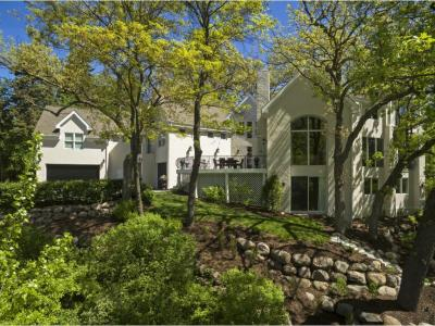 Photo of 817 S Westwood Drive, Golden Valley, MN 55416