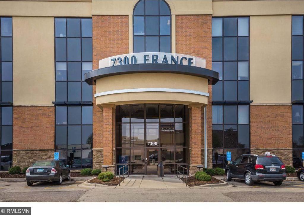 7300 S France Avenue, Edina, MN 55435