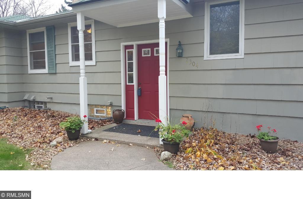 2304 Rivendell Lane, Minnetonka, MN 55305